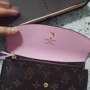 LOUIS VUITTON EMILIE WALLET EUC - PINK